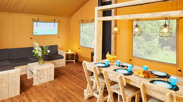Complete Woon Eetkamer.Lodge Tent 5 Person Bungalow Tent Holiday Park Duinrell